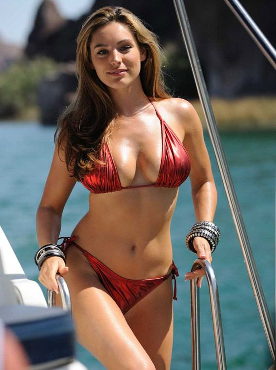Kelly Brook physique